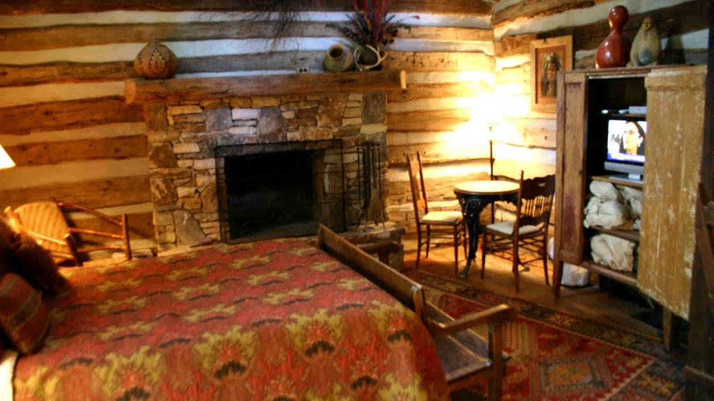 Log Cabin Wallpaper For Rooms, Log Cabin Bedroom Furniture Sets