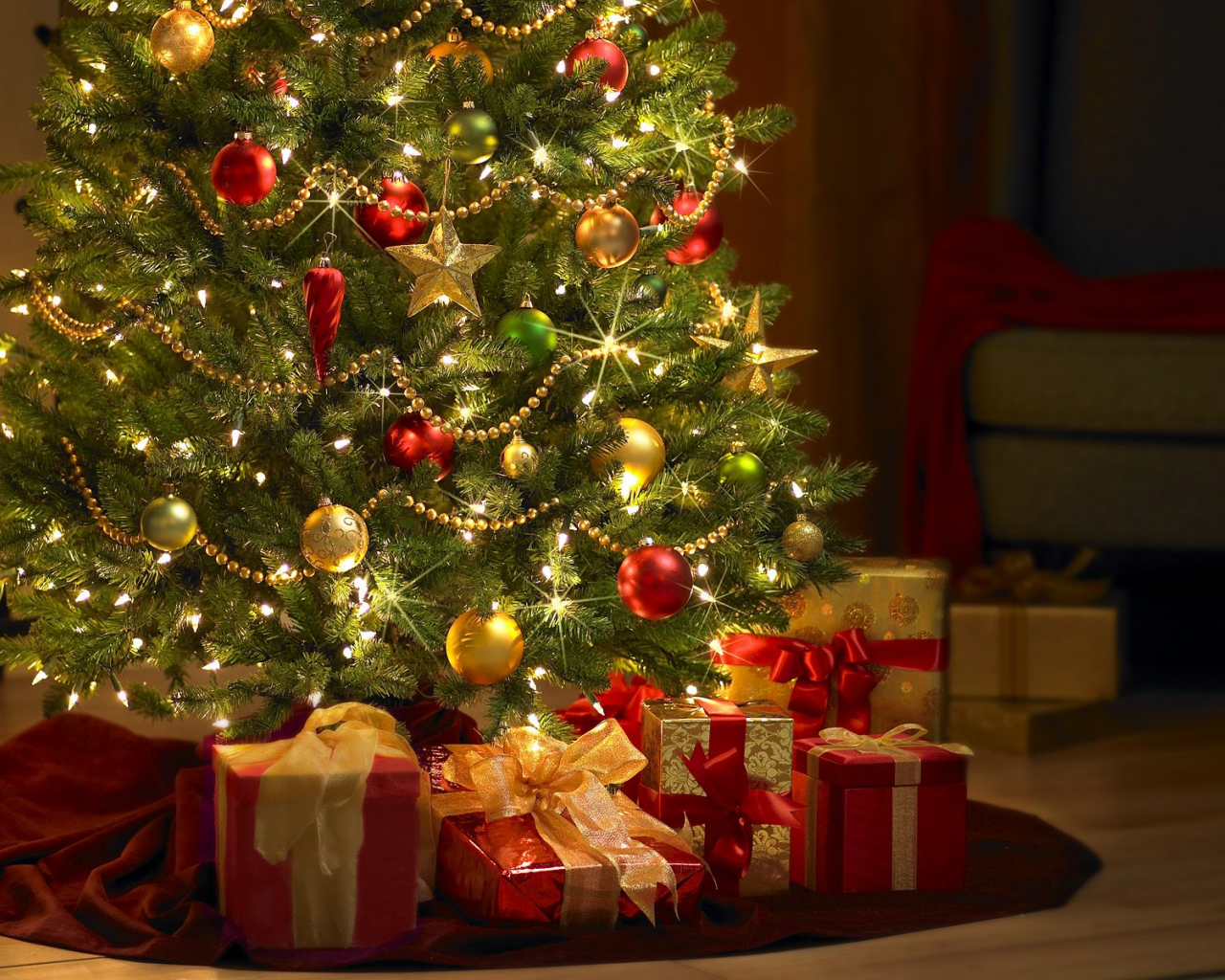 Free Download High Definition Pictures Hd Christmas Wallpapers Desktop Backgrounds 1600x1200 For Your Desktop Mobile Tablet Explore 46 Christmas Tree Wallpapers Hd Tree Background Wallpaper Beautiful Hd Christmas Wallpaper Wallpaper Tree