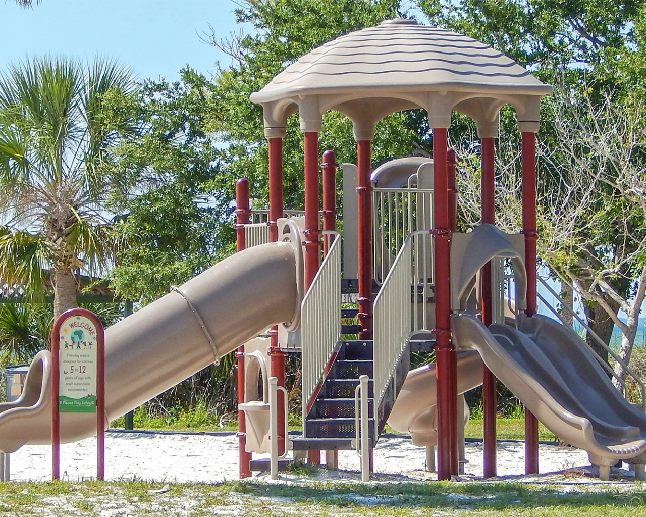 Free Download Playground With Tampa Bay In Background At Eg