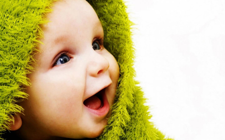 Cute baby wallpapers for desktop 1511 baby bwallescom gallery 1600x1200 desktop 1600x900 1536x864