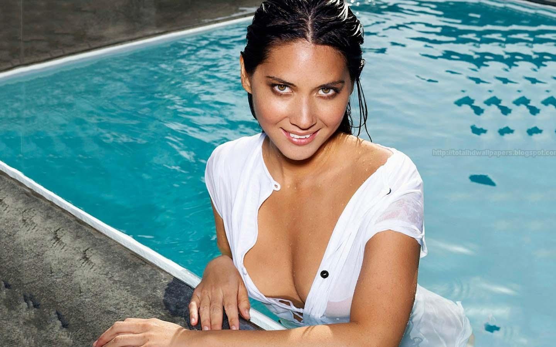 Free download Sara Paxton Wallpaper hot Hollywood hot