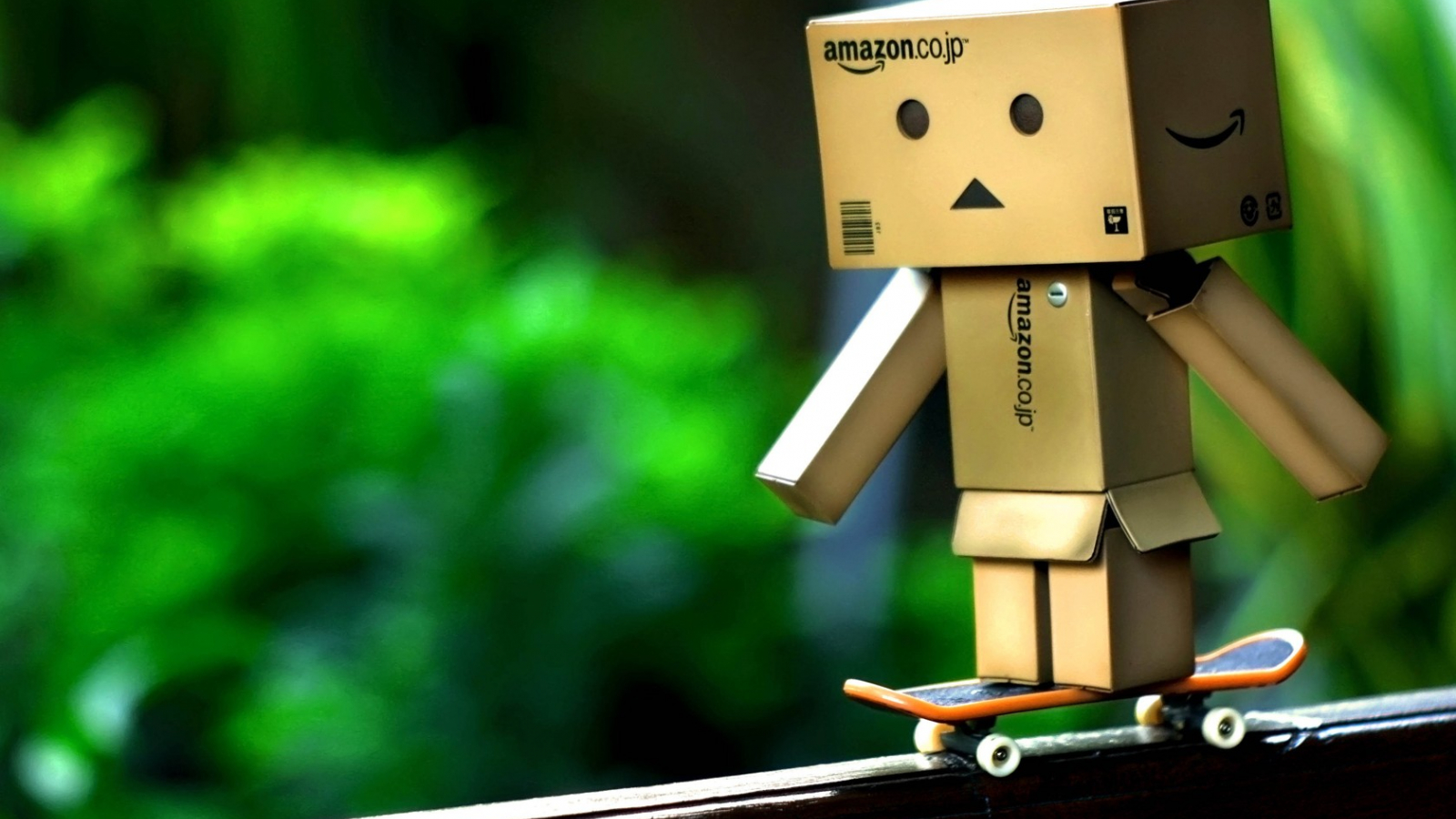 Free Download Danboard Danbo Yellow Little Box Boy Amazon Hd