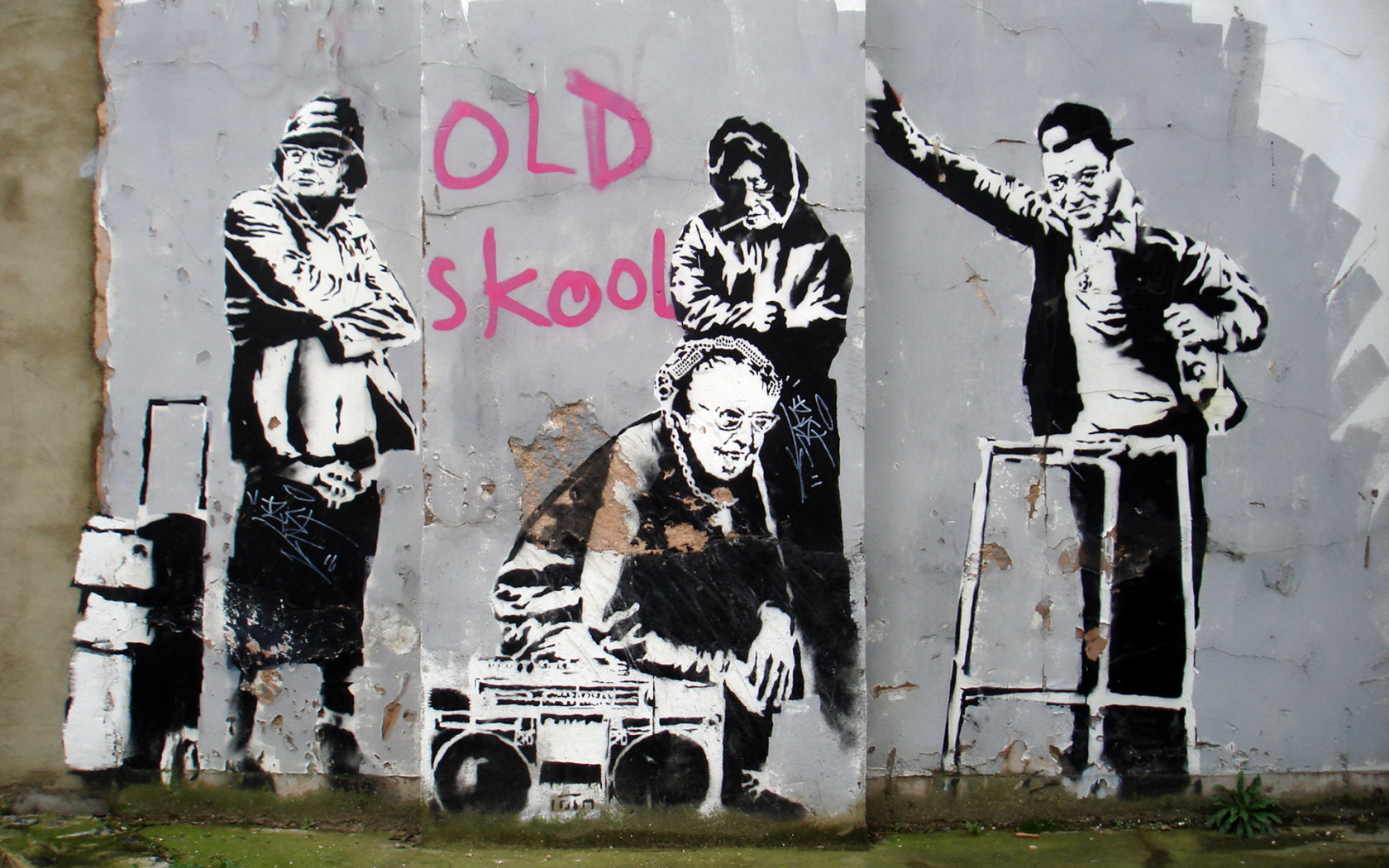 graffiti hero banksy s artwork Banksy is an anonymous england-based street artist, vandal, political activist, and film director his satirical street art and subversive epigrams combine dark humour with graffiti executed in.
