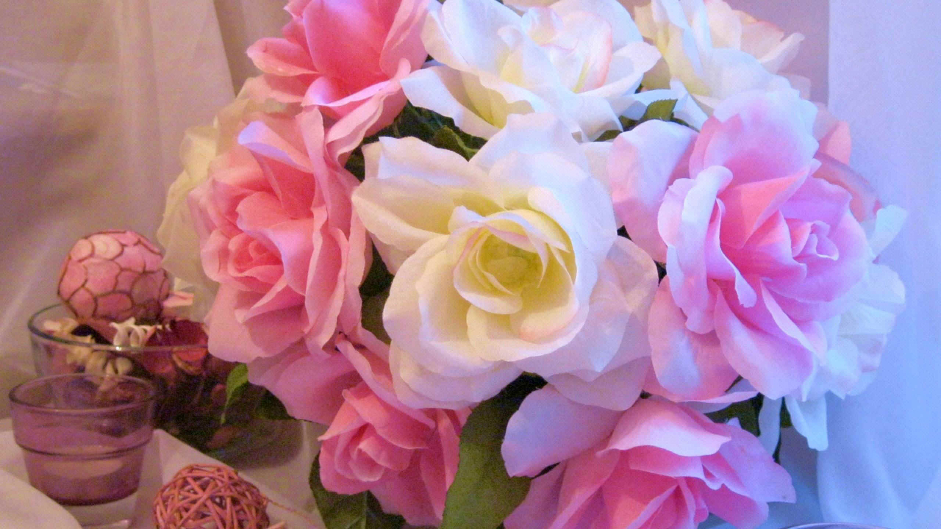 Free Download 0357 Pink And White Roses W 2560x1600jpg 411499