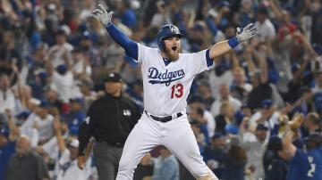 Max Muncy Hits Walk Off Homer In 18th Inning Dodgers Beat Red Sox