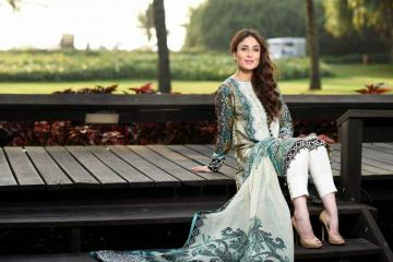 Kareena Kapoor Beautiful HD Wallpaper 2015