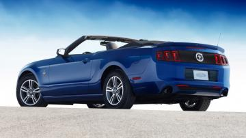2016 Mustang V6 Convertible HD Wallpapers