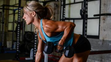 female exercises muscles gym training bodybuilding wallpapers
