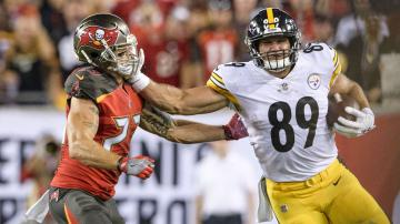 Watch Vance McDonald stiff arm for the ages leads to 75 yard TD