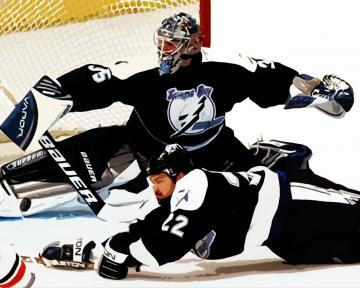 2004 Flyers Vs Lightning   Sports Wallpaper Image featuring Ice Hockey