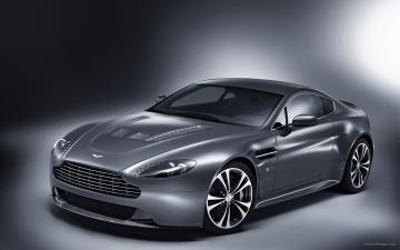 Aston Martin V12 Vantage 2 Wallpapers HD Wallpapers