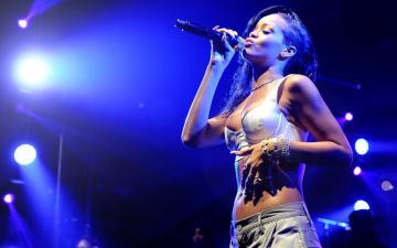 Rihanna concert tickets SALE United Center 4152016   Chicago tickets
