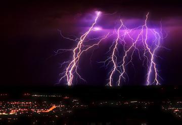 Impressive Lightning Storms for your Desktop Wallpaper Thomas Craig