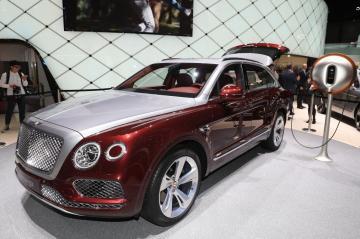 Bentley Bentayga PHEV Wallpapers