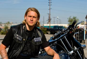 Tracy Gibson charlie hunnam wallpaper