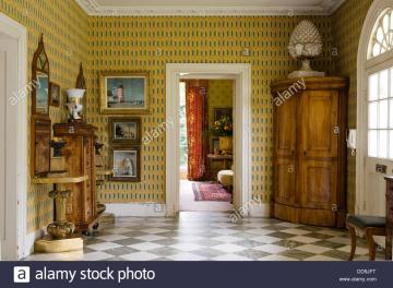 Biedermeier Wallpaper
