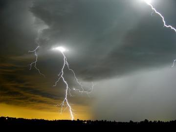The best top desktop lightning wallpapers lightning wallpaper 20jpg