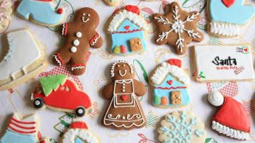Cute Assorted Holiday Christmas Cookies Wallpaper Screensaver For