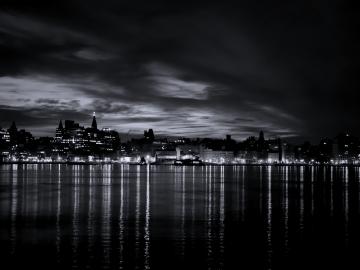 Black and White River City Light wallpaper