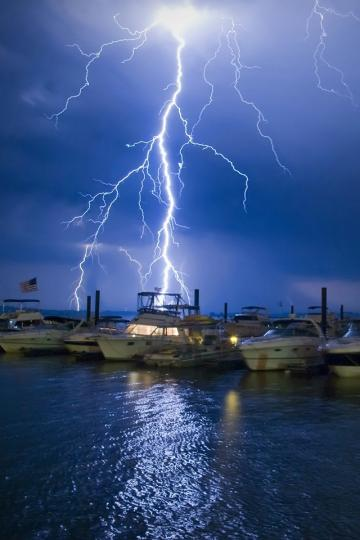Lightning iPhone 4 Wallpaper and iPhone 4S Wallpaper