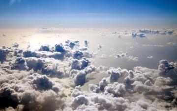 In the Clouds desktop wallpaper