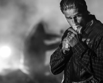 1280x1024 Sons of Anarchy Charlie Hunnam desktop PC and Mac wallpaper