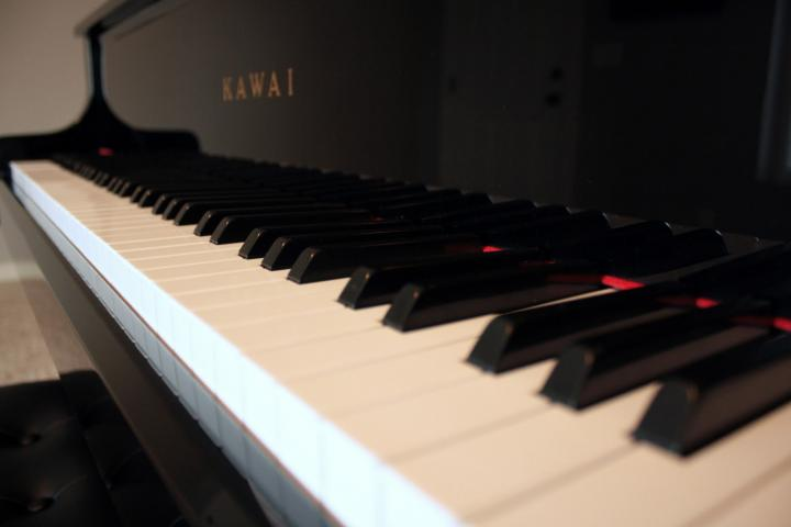 3872x2559px Grand Piano Wallpaper