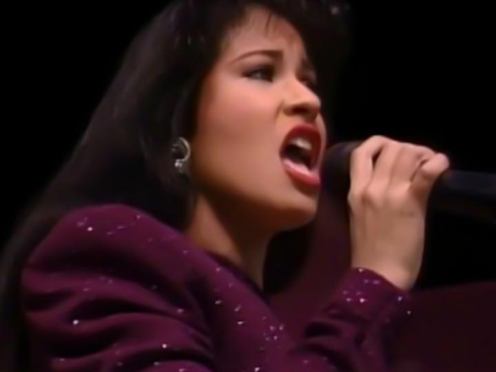 800x600px Selena Quintanilla Wallpaper